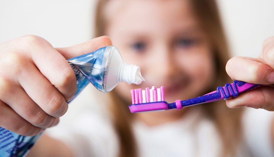 Fluoroprofilassi: cooperazione fra genitore e odontoiatra